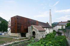 Construido por Malcotti Roussey Architectes,Thierry Gheza en Salins-les-Bains, France con fecha 2009. Imagenes por Nicolas Waltefaugle. Este proyecto de restauración patrimonial es parte de un proceso de revalorización histórica de la localidad de Salin...
