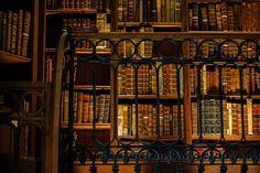 Library. (door Darren-Muir)