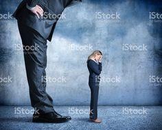 Empresária queda o estresse de discriminação no local de trabalho stock photo 80719999 - iStock