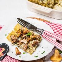 Eierschwammerl-Lasagne mit Österzola Snacks, Beef, Tableware, Kitchen, Souffle Dish, Lasagna, Finger Foods, Tapas Food, Cooking