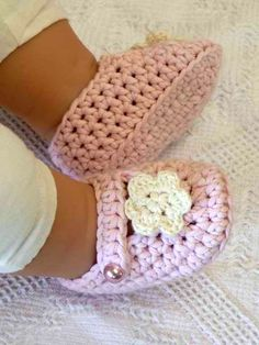 Easy Booties Crochet Pattern No.701 Emailed2U THREE Sizes ONE STRAND. $4.00, via Etsy.