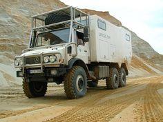 Unimog - U 2450 L 6x6 Camper