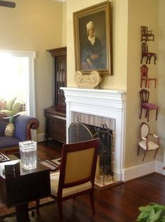 creole cottage - living room with mini-chairs, i die.