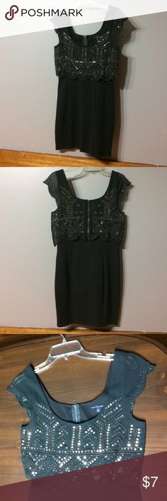 American Eagle Fitted Sequin Dress Re-Posh. Was slightly too big on me. American Eagle dark army green dress. Stretchy but fitted. Sequin overlay top with zipper back. American Eagle Outfitters Dresses Midi