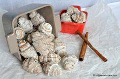 Cornulete crocante cu scortisoara. Food Cakes, Yogurt, Cake Recipes, Cereal, Cookies, Breakfast, Sweet, Desserts, Kitchen
