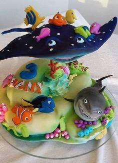 birthday cake little girl boy original idea amateur cartoons Nemo cake original design pies pies recipes dekorieren rezepte Unique Cakes, Creative Cakes, Creative Ideas, Pretty Cakes, Cute Cakes, Finding Nemo Cake, Crazy Cakes, Novelty Cakes, Occasion Cakes