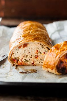 Chicken Meatloaf Wellington with Sun Dried Tomatoes - a cross between meatloaf and Beef Wellington, made with chicken! Beef Wellington, Meatloaf Wellington Recipe, Mince Recipes, Cooking Recipes, Healthy Recipes, Savoury Recipes, Savoury Dishes, Chicken Meatloaf, Recipetin Eats