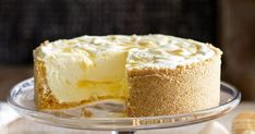 The lusciously light lemony centre makes this dessert cheesecake a standout. Lemon Cheesecake Recipes, Lemon Dessert Recipes, Lemon Recipes, Sweet Recipes, Delicious Desserts, Yummy Food, Jello Cheesecake, Cheescake Recipe, Dessert Food