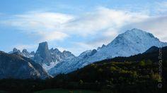 Fernando Romão e João Nunes da Silva organizam uma expedição de 5 dias pelo Parque Nacional mais emblemático das Astúrias, no Norte de Espanha. Vertentes impetuosas, vales de rios encaixados e selv...