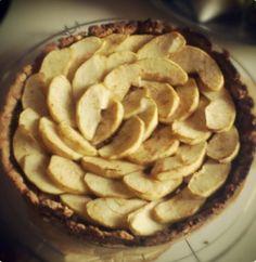 healthy low cal apple pie with graham cracker crust @sannainwonderland