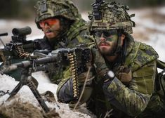 Army Men, Military Police, Military Art, Military Uniforms, Canadian Soldiers, Canadian Army, Gi Joe, Force Pictures, Camo