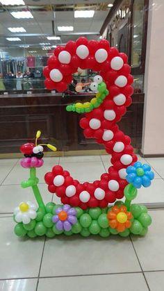 Idea para decorar con globos - Idea to decorate with balloons Balloons And More, Number Balloons, Letter Balloons, Balloon Arrangements, Balloon Centerpieces, Balloon Flowers, Balloon Bouquet, Balloon Columns, Balloon Arch