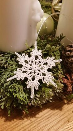 Schneekristall, kostenlos häkeln, Schneestern The instructions are free and you only need 30 minutes per snowflake, that's a good deal. Get wool, instructions + crochet [. Crochet Snowflake Pattern, Christmas Crochet Patterns, Crochet Snowflakes, Christmas Snowflakes, Christmas Crafts, Crochet Christmas Decorations, Crochet Decoration, Crochet Ornaments, Crochet Diy