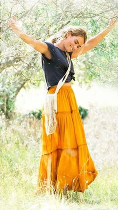 Lily James& orange skirt in Mamma Mia Here We Go Agai.- Lily James& orange skirt in Mamma Mia Here We Go Again! Lily James& orange skirt in Mamma Mia Here We Go Again! Lily James, Mamma Mia, Boho Outfits, Cute Outfits, Diy Outfits, Boho Summer Outfits, Cute Hippie Outfits, Classy Outfits, Casual Outfits