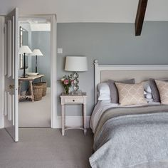 Modern Country Style Cotswold House Tour Guest bedroom Click through for details. Modern Country Style, Country Style Homes, Cottage Style, Vintage Country, Country Chic, French Country, Country Furniture, Country Decor, Bedroom Country