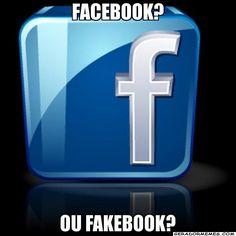 Indiretas ao facebook, por ser uma rede social sem privacidade.