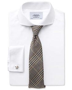 Bügelfreies Extra Slim Fit Hemd aus Twill mit Extrem-Haifischkragen in weiß