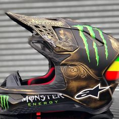 Motorcross Helmet, Motocross Gear, Dirt Bike Gear, Cool Motorcycle Helmets, Cool Dirt Bikes, Custom Sport Bikes, Custom Helmets, Pit Bike, Helmet Design