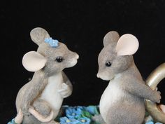 Charming Tails mouse figurine engagement ring - I have this one