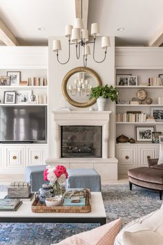 - Rach Parcell - Family Room Reveal… – Rach Parcell The Effective Pictures We Offer You About decoration noel A - Design Living Room, Family Room Design, My Living Room, Home And Living, Cozy Living, Small Living, Modern Living, Traditional Home Magazine, Ikea