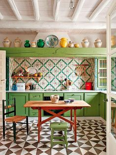 Cool Amazing Bohemian Kitchen Design Ideas For Comfortable Cooking Bohemian Kitchen, Eclectic Kitchen, Vintage Kitchen Decor, Rustic Kitchen, Country Kitchen, Spanish Kitchen, Moroccan Kitchen, Beige Kitchen, Primitive Kitchen