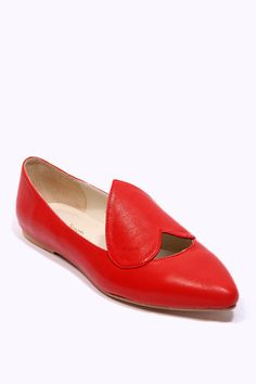 The only pair of flats that I have thought to be acceptable in a long time.