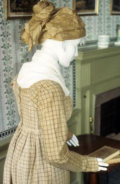 Morning dress, 1805-1808; Historic New England 1950.59