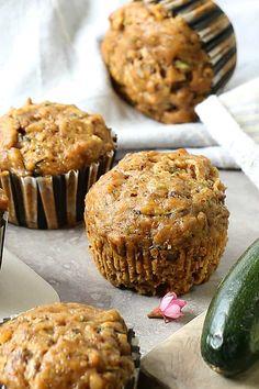 Gluten-free pumpkin zucchini muffins made with shredded zucchini, pumpkin, almond meal, gluten-free flour. And easy and healthy nutrient rich muffin! Pumpkin Zucchini Muffins, Gluten Free Zucchini Muffins, Gluten Free Carrot Cake, Gluten Free Pumpkin, Healthy Pumpkin, Vegan Pumpkin, Healthy Muffins, Healthy Desserts, Zuchinni Cupcakes