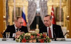 Putin e Erdogan più vicini. Accordo su gasdotto Turkstream e punti in comune su Siria #Russia e #Turchia verso la normalizzazione delle loro relazioni. Nella visita a Istanbul di Vladimir Putin, trovano l'accordo sul gasdotto Turkstream e punti in comune sulla #Siria. Mosca riduce la m #russia #turchia #siria #turkstream