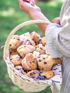 Parhaat Mustikkamuffinssit | Annin Uunissa Most Delicious Recipe, Healthy Treats, Vegan Desserts, Food Art, Sweet Recipes, Stuffed Mushrooms, Yummy Food, Sweets, Baking