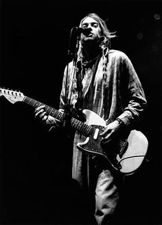Singer-songwriter and guitarist Kurt Cobain performing with American grunge band Nirvana at Palasport, Modena, Italy, February Get premium, high resolution news photos at Getty Images Nirvana Kurt Cobain, Kurt Cobain Photos, Pat Smear, Dave Grohl, Kurt Cobain's Death, Banda Nirvana, Donald Cobain, Courtney Love, Musica