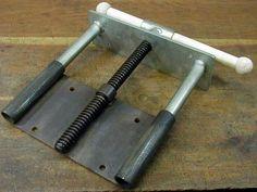 Возможно DIY модель для деревообрабатывающей тиски .: