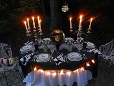 Decoration 28 Awesome Outdoor Halloween Party Ideas: Cool Outdoor Halloween Party Idea With Charming Dining Table Decoration Balck Tablecloth Along With Completed Cutlery Plus Candle Lights As Well Crystal Ball Skull Viewed In The Middle Outdoor Halloween Parties, Halloween Dinner, Halloween Party Decor, Holidays Halloween, Halloween Themes, Halloween Fun, Halloween Buffet, Halloween Weddings, Halloween Costumes