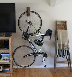 As I've noted before, not everyone has a garage or similar place to store a bicycle; sometimes bikes need to be sorted in apartments, offices or studios. And designers keep developing new way…