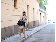 Beige coat and heels. Simple and classic style. #lindajuhola