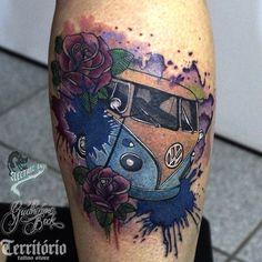 Minha tatooo Old Tattoos, Body Art Tattoos, Small Tattoos, Tatoos, Vw Bus, Volkswagen, Taz Tattoo, Motor Tattoo, Beetle Tattoo