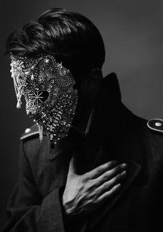 Thomas Sing | Follow board on : http://pinterest.com/riccai/venetian-mask/