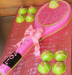 Thinking is would be perfect for Haiden's next birthday. Tennis cake- SO CUTE I WANT