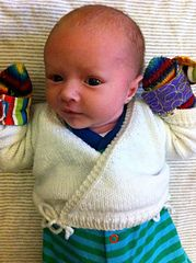 Adorable wrap / kimono sweater. Free pattern is available for download here: http://www.ravelry.com/patterns/library/baby-wrap-crossover-cardigan