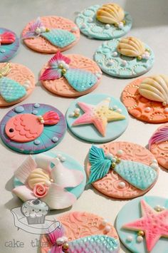 Can be made of fondant, we can't wait to us them during our next mermaid party. Mermaid Cupcake Toppers, Mermaid Cupcakes, Fondant Cupcake Toppers, Pink Cupcakes, Fondant Cookies, Cupcake Cookies, Sea Cakes, Fondant Animals, Fondant Decorations