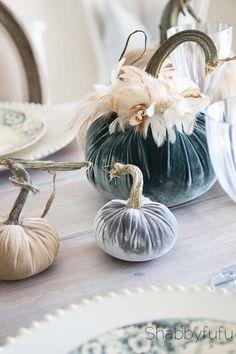 Beautiful Velvet For An Elegant Fall Table Tablescape