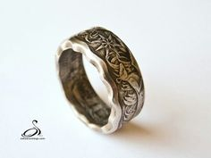 Scalloped coin ring