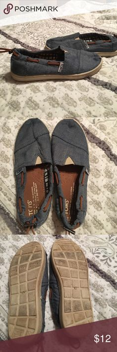 TOMS boys shoes TOMS boys denim like shoes. Size 1. Good condition. Toms Shoes Slippers