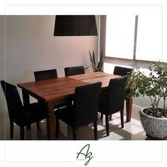 Agora sim! A mesa em seu devido lugar, na sala de jantar dos nossos clientes! Adoramos a combinação com a decor em preto, ficou lindo 👌