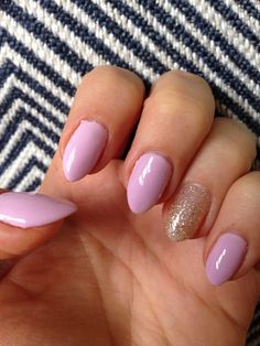 Summer Nails. #accentnail #pinknails #almondnails