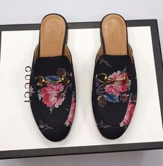 Guccl New Female Models Male Models 18059955283 Gucci Shoes, Men's Shoes, New Woman, New Product, Cartier, Female Models, Latest Fashion, Chloe, Girl Fashion