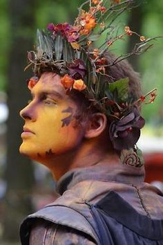 interesting composition of the head piece at the bristol renaissance faire.