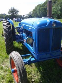 Old tractor # jorgenca