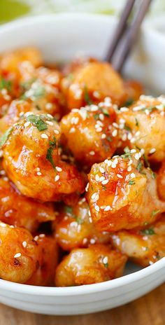 Thai Sweet Chili Chicken – amazing and best-ever chicken recipe with sticky, sweet and savory sweet chili sauce. SO good you want to lick the plate!! | rasamalaysia.com