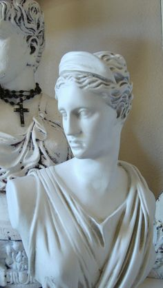 Shabby White Bust Statue of Goddess Diana by edithandevelyn on Etsy Turn To Stone, Vintage Love, Black And White Photography, Statues, Diana, Shabby Chic, Old Things, Sculpture, Bedroom